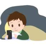 寝る前に布団の中でスマホを見ている男性のイラスト